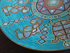Интерьерная тарелка в этническом стиле. Точечная роспись | Ярмарка Мастеров - ручная работа, handmade
