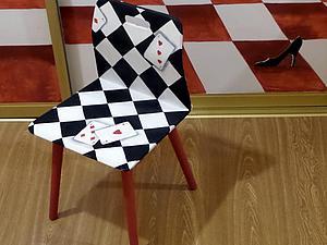 Расписываем стульчик в стиле