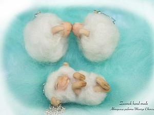 """Сказочные серьги и кулон из шерсти и глины """"Семейство овечек"""" своими руками. Ярмарка Мастеров - ручная работа, handmade."""