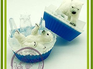 Белые медведи не едят пингвинов. Мыло в мыле. Вплавление.. Ярмарка Мастеров - ручная работа, handmade.