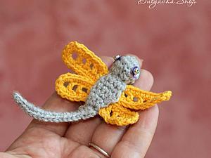 Вяжем крючком забавную стрекозу. Ярмарка Мастеров - ручная работа, handmade.