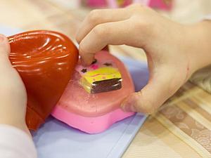 Курс мыловарения для детей «Настоящий мыловар!». Занятие третье: «Новый год. Мыло с сюрпризом» | Ярмарка Мастеров - ручная работа, handmade