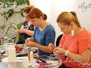Творческий процесс создания цветов из кожи/замши от Елены Григорьевой с учениками | Ярмарка Мастеров - ручная работа, handmade