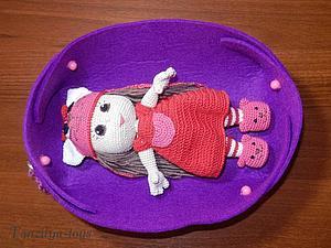 Как сделать уютную фетровую коробочку для куклы. Ярмарка Мастеров - ручная работа, handmade.