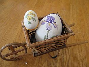 Вышивка пасхального яйца на канве