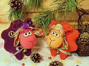 Новогодняя конфетка - овечка Клубничка и барашек Баклажанчик! | Ярмарка Мастеров - ручная работа, handmade