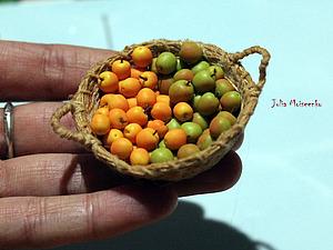 Как слепить миниатюрные яблочки из полимерной глины. Ярмарка Мастеров - ручная работа, handmade.