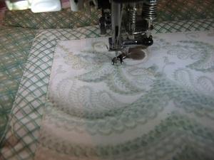 Винтажно-гламурная сумочка из старых тряпочек. Рециклинг, или даёшь новую жизнь старым вещичкам! 1 ч. Ярмарка Мастеров - ручная работа, handmade.