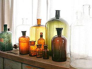 Композиции из стеклянных бутылок в интерьере. Ярмарка Мастеров - ручная работа, handmade.