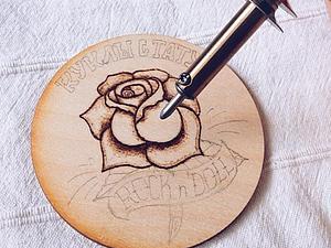 Деревянные визитки-мерчи в подарок | Ярмарка Мастеров - ручная работа, handmade