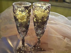 Оформление свадебных бокалов «Свадебные кружева». Ярмарка Мастеров - ручная работа, handmade.
