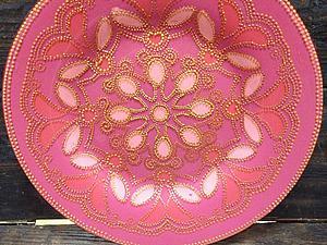 Точечная роспись тарелки с многоцветным фоном | Ярмарка Мастеров - ручная работа, handmade
