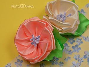 Делаем цветочки из атласных лент. Ярмарка Мастеров - ручная работа, handmade.