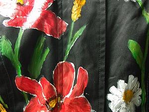 Новая жизнь старой куртки: роспись маками и ромашками | Ярмарка Мастеров - ручная работа, handmade