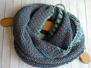Вяжем спицами из секционной пряжи шарф-снуд в два оборота. Ярмарка Мастеров - ручная работа, handmade.