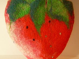 МК Клубника-валяние на шаблоне | Ярмарка Мастеров - ручная работа, handmade