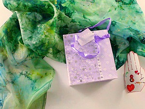 Творим с детьми: создаем шарф в технике складного батика в подарок маме. Ярмарка Мастеров - ручная работа, handmade.