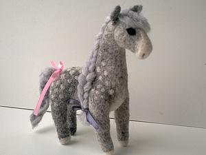 Новогодняя лошадка в яблоках | Ярмарка Мастеров - ручная работа, handmade