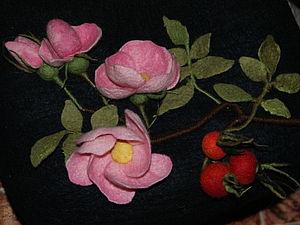 Ветка шиповника в технике сухого валяния: мастер-класс. Ярмарка Мастеров - ручная работа, handmade.