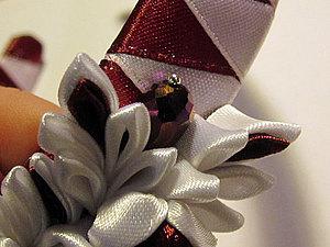 Как вклеить бусинку в цветок канзаши. Ярмарка Мастеров - ручная работа, handmade.