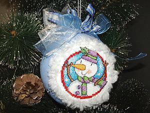 Делаем новогодний шар с вышитой вставкой. Ярмарка Мастеров - ручная работа, handmade.