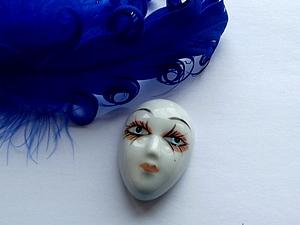 Венецианские страсти магнит из старой куклы.. Ярмарка Мастеров - ручная работа, handmade.