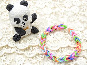 Плетем на пальцах браслетик из резиночек. Ярмарка Мастеров - ручная работа, handmade.