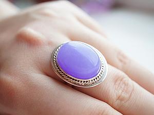 Аукцион!!!!Кольцо из серебра 925 пробы и тонированного нефрита цвета лаванда!   Ярмарка Мастеров - ручная работа, handmade