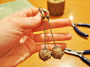 Сверкающие серьги-клубочки своими руками. Ярмарка Мастеров - ручная работа, handmade.