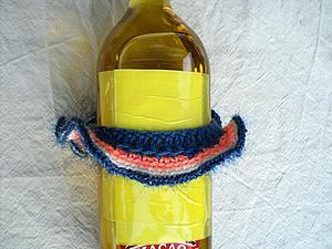 Вяжем из остатков пряжи юбочку для бутылки. Ярмарка Мастеров - ручная работа, handmade.