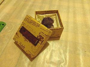 Внутренняя отделка коробки для броши. Ярмарка Мастеров - ручная работа, handmade.