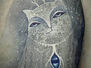 Роспись камня «Снежный вестник». Ярмарка Мастеров - ручная работа, handmade.