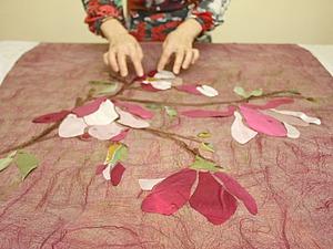 Весеннее пробуждение: декорируем изделия из войлока шелковыми лоскутами. Ярмарка Мастеров - ручная работа, handmade.
