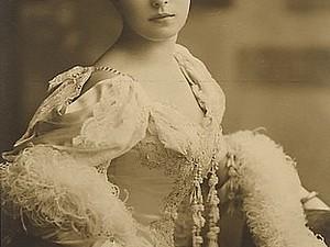 История платья свадебное