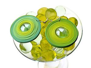Серьги- круги из термопластики со стеклянной вставкой | Ярмарка Мастеров - ручная работа, handmade