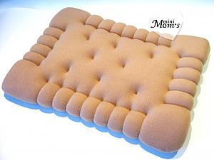 Декоративная подушка-игрушка Печенье (на диван или в детскую комнату) | Ярмарка Мастеров - ручная работа, handmade