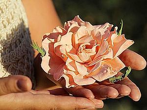 Роза из фоамирана и сюрприз. Видео мастер-класс. Ярмарка Мастеров - ручная работа, handmade.