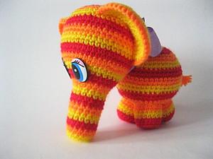 Радужный слоник крючком