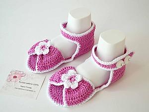 Пинетки-сандалики с цветочками. Новинка в магазине!!! | Ярмарка Мастеров - ручная работа, handmade