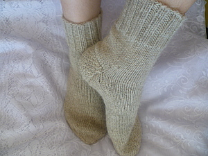 Вязаные шерстяные носки с