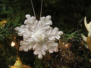 Украшаем ёлочку: шьем очаровательную снежинку из фетра. Ярмарка Мастеров - ручная работа, handmade.