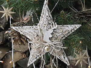 Christmas star with his hands