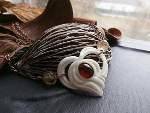 Аукцион на кулон из кости и граната! Один день! | Ярмарка Мастеров - ручная работа, handmade