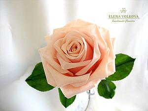 Вторая грация: роза из полимерной глины