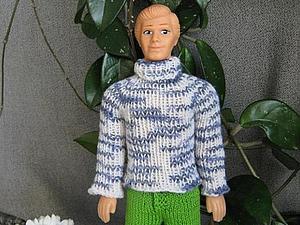 Вяжем свитерок для куклы Кен, тильдочек, интерьерных и текстильных кукол. Ярмарка Мастеров - ручная работа, handmade.