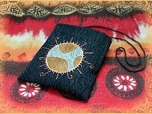 Маленькая сумка MOJO в технике росписи джинсовой ткани. Ярмарка Мастеров - ручная работа, handmade.