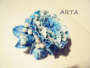Украшение к Новому Году.  Заколка-брошь Роза Альба. Флористическая глина. | Ярмарка Мастеров - ручная работа, handmade