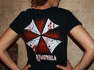 """Роспись футболки """"Обитель зла"""". Ярмарка Мастеров - ручная работа, handmade."""