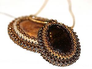 Оплетение кабошона на основе квадратного жгута. Ярмарка Мастеров - ручная работа, handmade.
