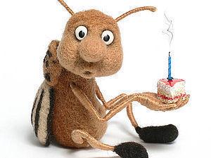 Пчеловечек миниатюрная игрушка из